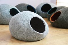 This cat bed is a cute decoration for your interior and comfortable bed for your beloved cat or small puppy. This bed is made from natural not dyed light grey color Tirolean sheep wool with light blue Merino wool on inside. It is also available in other natural, not dyed colors: beige, brown, light or dark grey. Also please contact me if you would like different inner color. Custom color combination is available for these beds.  In wet felting process were used only hot water and soap. Bed…