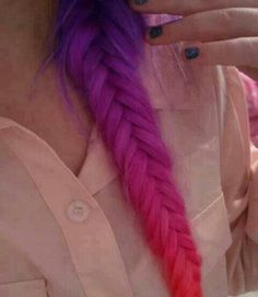 Dye your hair simple & easy to ombre galaxy hair color - temporarily use ombre galaxy hair dye to achieve brilliant results! DIY your hair ombre with hair chalk Dye My Hair, Your Hair, Hair Colorful, Colorful Fish, Multicolored Hair, Pelo Multicolor, Fishtail Braid Hairstyles, Braided Hair, Plait Hair