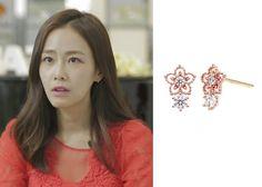"""Hong Soo-Hyun 홍수현 on """"Roommate"""" Episode 11.  Lovcat Bijoux Earrings #Roommate 룸메이트 #HongSooHyun"""