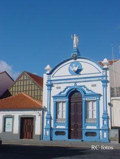 Terceira, Açores - Império da Guarita, Igreja Adventista ao lado esquerdo