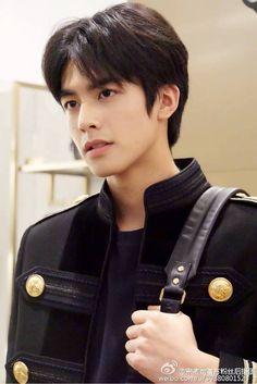 Hot Korean Guys, Korean Men, Hot Guys, Asian Boys, Asian Men, Human Figure Sketches, Song Wei Long, Korea Boy, Boy Models