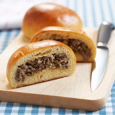 Runsas Recipe (Beef and Cabbage Buns with Cheese from Cook's Country Magazine) Cooks Country Recipes, Gourmet Recipes, Cooking Recipes, Healthy Recipes, Cookbook Recipes, Appetizer Recipes, Yummy Recipes, Appetizers, Brioche