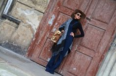nowa-k ponczo kombinezon ogrodniczki dzwony zara kapelusz plecak Zara, Normcore, Vogue, Blog, Style, Fashion, Swag, Moda, Fashion Styles
