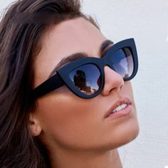 9998334c8c5bf Women Retro Thick Frame Cat Eye Sunglasses