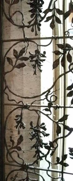 Sometimes inspirations are all around you.  this is a wrought-iron fence, in a museum in Detroit...or possibly Chicago