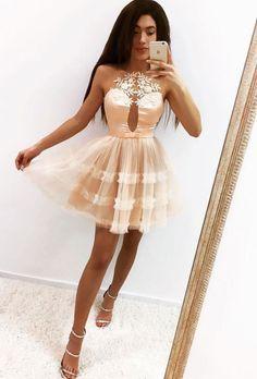 #shorthomecomingdresses #peachhomecomingdresses #homecomingdresseswithappliques