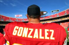 Gonzalez thanks Chiefs fans in advance of final game at Arrowhead Stadium