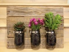 Now we have taken some extraordinary steps accent the home walls by making this favorite one DIY pallet mason jar planter which is entirely salvaged out of Recycled Planters, Fall Planters, Wood Planters, Recycled Pallet Furniture, Recycled Pallets, Wood Pallets, Pallet Wood, Mason Jar Planter, Mason Jar Lamp