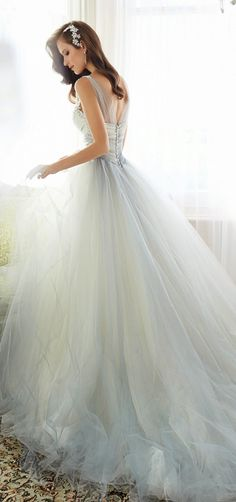 sophia-tolli-spring-2015-wedding-dress-2.jpg 660×1,405 ピクセル