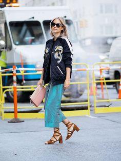 5d14b31eab Charlotte thefashionguitar Streetstyle Shoot Fashion Blogger Chloe Chanel by Marinke Davelaar-0080  Look Com Jaqueta Bomber