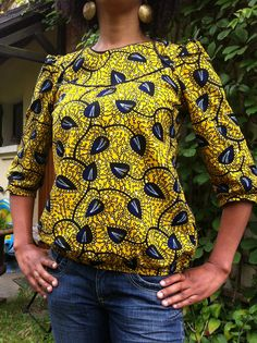 Ma Blonde en wax par La Waxeuse - thread&needles Plus African Blouses, African Tops, African Women, African Inspired Fashion, African Print Fashion, Africa Fashion, African Print Dresses, African Fashion Dresses, African Prints