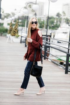 Warm Shoulders Best Fashion Blogs, Fashion Bloggers, Eat Sleep Wear, Get Dressed, Cashmere Sweaters, Outfit Of The Day, What To Wear, Cool Style, Dresses For Work