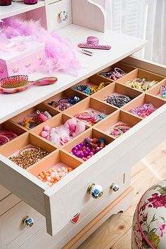dress up table/jewelry storage for girl's room