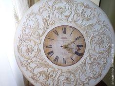 Настенные часы Вальс  Шебби шик в белом. Натенные часы, деревянные, декупаж, объемный декор, легкое золочение, шебби шик.    Романтические настенные часы, прекрасно подойдут к стилю Прованс, Шебби шик.  Настенные часы составят комплект со шкатулкой  Вальс Шебби…