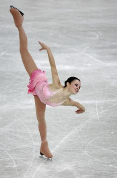 """Sasha Cohen (USA) skating to """"Pas De Deux"""" from the Nutcracker at the 2005 Ladies World Figure Skating Campionships in Moscow, Russia. (photo credit: Jamie McDonald)"""