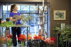 Ariella Chezar Master Class on Sept - Flower School New York Blog, Floral Design Classes, Master Class, Flower Arrangements, Beautiful Flowers, Florists, Table Decorations, School, Artist