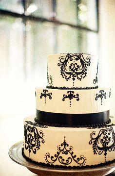 Black & White Wedding Cake add a bling bling monogram. Black And White Wedding Cake, White Wedding Cakes, Black White, Beautiful Cakes, Amazing Cakes, Simply Beautiful, Elegant Wedding, Dream Wedding, Cupcake Cakes