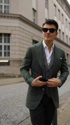 The Sartorialist, Homecoming Outfits For Guys, Gq Mens Style, Suit Vest, Blazer Outfits, Suit And Tie, Business Outfits, Gentleman Style, Wedding Suits