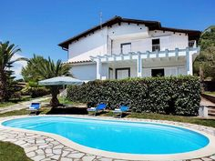 Massa Lubrense: Holiday villa for rent from £365 per night. View 24 photos, book online with traveller protection with the manager - 86669