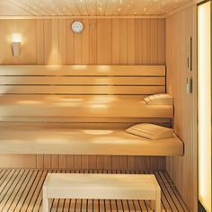 Whether classic, luxurious or compact – at KLAFS you will find the right sauna for every requirement. Discover our wide range of sauna models. Basement Sauna, Sauna Room, Home Spa Room, Spa Rooms, Japanese Sauna, Design Sauna, Sauna Lights, Indoor Sauna, Dry Sauna