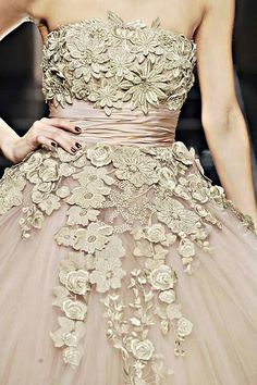 Ellie Saab attention to detail - truly beautiful.