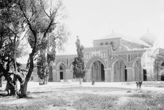 These photos were taken between 1898 and 1914 when Palestine was under Ottoman rule.