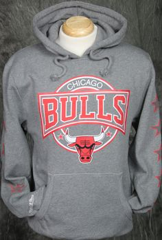 c4f2c5d75f67c Chicago Bulls Mitchell   Ness Down to the Wire Pullover Hoody