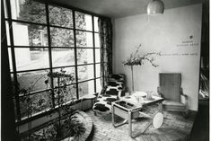 AINO & ALVAR AALTO, The Finnish Pavilion at the Paris World's Fair, 1937 featuring Aalto furniture by Artek Oy, Finland, including a tea trolley model a cantilevered lounge chair and a chaise longue model Alvar Aalto, New York Wallpaper, Wallpaper Magazine, Selling Furniture, Colorful Furniture, Designer Wallpaper, Pavilion, Home Deco, Contemporary Design