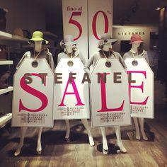 Windows Display Retail Sale Winter 2015 Stefanel Ferrara
