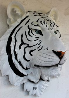 WHITE TIGER HEAD WALL MOUNT STATUE