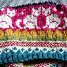 Clara Stickar: Stickning / Love the colors and overall design. Site is in Swedish, but lots of beautiful pictures for inspiration Knit Cowl, Knit Mittens, Knit Crochet, Knitting Patterns Free, Free Knitting, Stitch Patterns, Baby Jessica, Fair Isle Pattern, Pattern Library