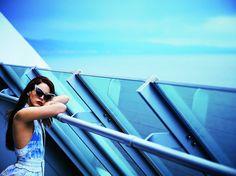 Foto: Simon Emmett. Lana del Rey con gafas de A Morir.