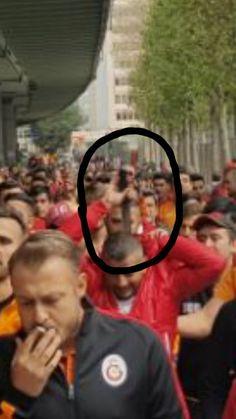 Galatasaraylı taraftar döner bıçağıyla görüntülendi - En son haber