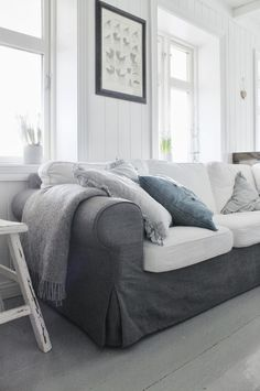 Ektorp sofa with combination of gray and white slipcovers?