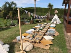 Boho inspired outdoor picnic perfect for a baby shower, bridal shower or birthda… Picnic Themed Parties, Outdoor Dinner Parties, Outdoor Birthday Parties, Boho Themed Party, Bohemian Birthday Party, Bohemian Party, Bohemian Weddings, Bohemian Bride, Indian Weddings