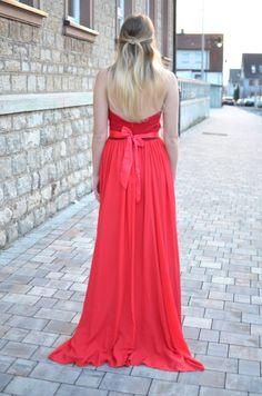 Thr red robe - Jess en Vogue