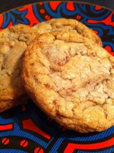 Does anyone remember those amazingly delectable, perfectly chewy toffee crunch cookies that Panera Bread used to sell in their bakery? They were downright incredible — and about six months ag… Butter Crunch Cookies, Toffee Cookies, Yummy Cookies, Chip Cookies, Heath Bar Cookies, Toffee Cookie Recipe, Almond Cookies, Butter Toffee Peanuts Recipe, Toffee Bits Recipe