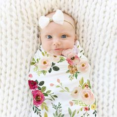Watercolor Floral Print Oversized Swaddle Blanket Sleep Bag New Born – baby gears,new born baby, bab Muslin Swaddle Blanket, Swaddle Wrap, Receiving Blankets, Baby First Outfit, Vintage Baby Clothes, Trendy Baby, Newborn Photography, Floral Prints, Luxury Bedding