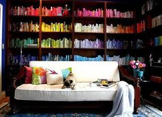9 Ways to Organize Books: Which Is Your Style?