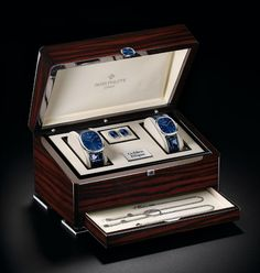 Écrin Montre / Watch Box designed by Pozzo di Borgo Styling. Jewelry Packaging, Box Packaging, Packaging Dielines, Patek Philippe, Luxury Watch Box, Gift Box For Men, Mens Watch Box, Packing Jewelry, Handbags For Men