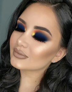 Gorgeous Makeup: Tips and Tricks With Eye Makeup and Eyeshadow – Makeup Design Ideas Eye Makeup Blue, Eye Makeup Glitter, Makeup Eye Looks, Colorful Eye Makeup, Skin Makeup, Eyeshadow Makeup, Drugstore Makeup, Eyeshadows, Makeup Trends