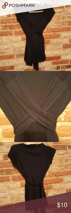Banana Republic criss cross blouse Black front pleated top with v neck. Size xs. Good used condition. Banana Republic Tops