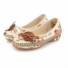 Hot-sale Bowknot Button Flower Small Wooden Decoration Slip On Flat Loafers - NewChic