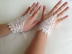 Ivory lace fingerless gloves by damlace on Etsy, $16.00