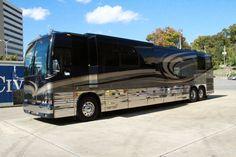 Hunter Hayes' Tour Bus