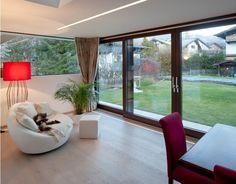Esszimmer Haus G°E°E - HK Architektur St. Johann in Tirol Alps, Windows, Interior, Summer, Modern Log Cabins, Patio, Detached House, House Design, Dining Rooms