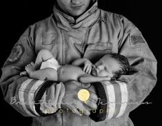 Newborn photography, newborn boy photo ideas, firefighter and newborn baby photo Would have Alan in his construction duds Newborn Baby Photos, Baby Girl Photos, Newborn Poses, Cute Baby Pictures, Boy Photos, Newborn Pictures, Newborns, Firefighter Baby, Firefighter Pictures