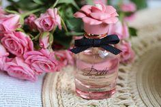 "Heute gibt es mal zur Abwechslung eine kleine Parfüm Review und zwar zeige ich euch den neuen Dolce & Gabbana Duft ""Garden"" näher! 🌹💃✨ . https://www.anotherkindofbeautyblog.com/2018/05/dolce-gabbana-garden-edp-review.html . . . #anotherkindofbeautyblog #dolcegabbana #dolce #gabbana #dolcegabbanagarden #dolcegarden #flowers #roses #pinkroses #love #happy #sweet #flowerly #photography #productphotography #blogger #beauty #pretty #beautiful #perfume #scent #parfum #newin #sunday #sundaymood…"