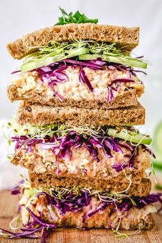 This Chickpea Tuna Sandwich recipe is featured in the Vegan feed along with many more. Tuna Sandwich Recipes, Veggie Sandwich, Lunch Recipes, Vegetarian Sandwiches, Baby Recipes, Salad Recipes, Chickpea Tuna, Quinoa, Easy Vegan Lunch