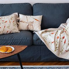 SOMNmic (the tiniest nap in Romanian) is a project sewn and embroidered by Molcush and illustrated by Alexia Udriște, because however long, every nap needs a story. Throw Pillows, Bed, Projects, Home Decor, Log Projects, Toss Pillows, Blue Prints, Decoration Home, Cushions